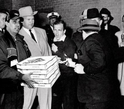 lee-harvey-oswald-shot-by-jack-ruby-in-the-basement-of-the-dallas-police-department-sunday-november-24-1963-2-days-after-the-kennedy-assassination.jpg